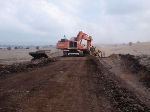 Obras en Saddle Road