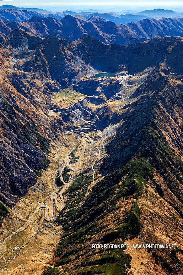 Impresionante vista aerea de Transfagarasan