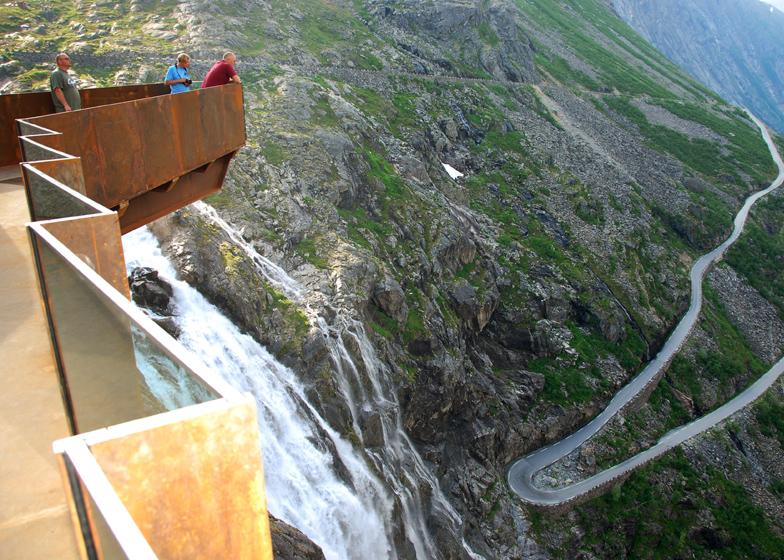 Trollstigen vista desde plataforma