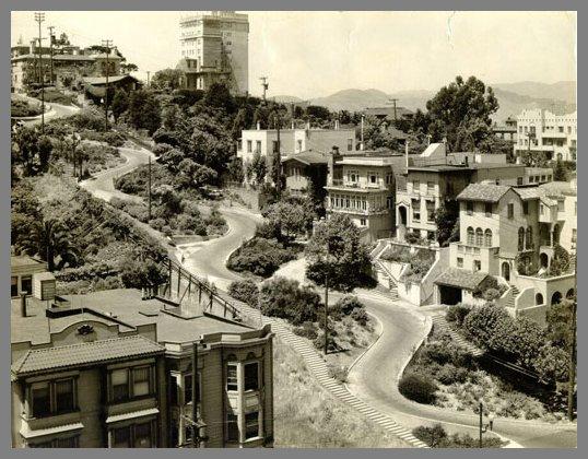 Lombard Street en 1933, cuando la calle era de doble sentido