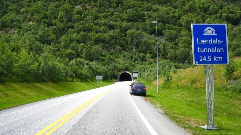 Túnel de Laerdal, entrada-norte