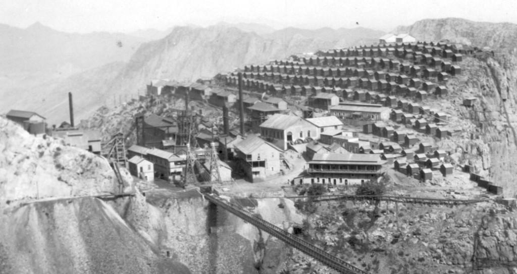 Foto antigua del Puente de Ojuela