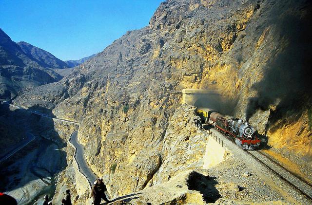 Los Británicos construyeron un ferrocarril de gran ingeniería a través del Khyber