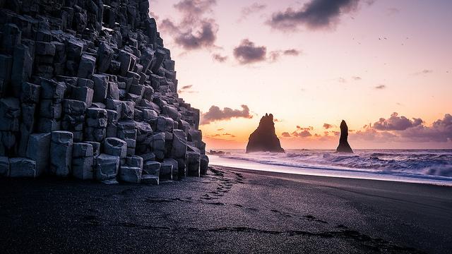 Playa de arena negra Reynisfjara