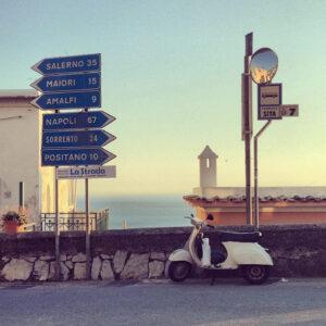 Señales en la carretera Amalfitana
