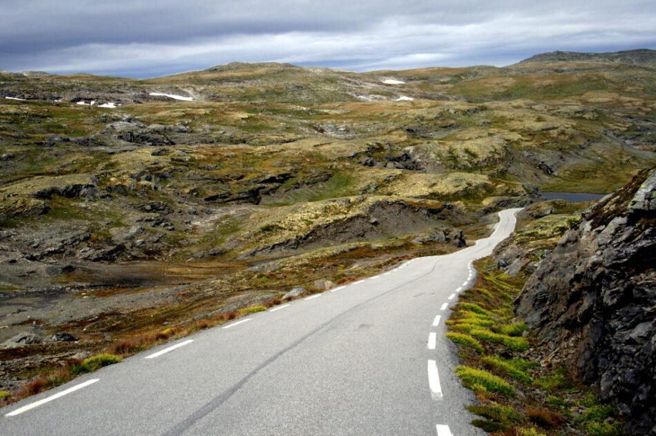Snøvegen, La Carretera de las Nieves