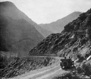 Tioga Road en 1921, foto de Robert Sterling