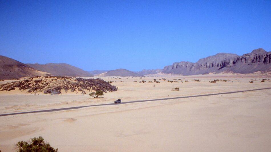 Transahariana en el Sahara Argelino, foto de 1991